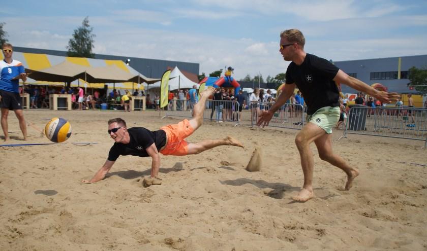 Het was zand happen tijdens het Haaftens Beachvolleybaltoernooi