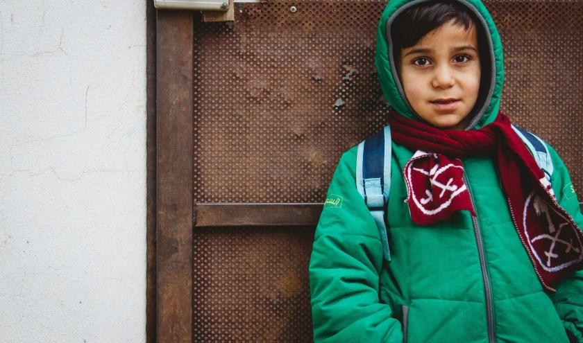Dit Syrische vluchtelingenkind kan weer naar school.