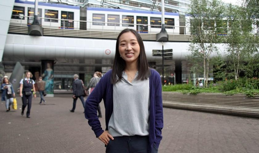 Sun Jeong uit Seoel, Zuid-Korea, voelt zich erg op haar gemak in Den Haag. Of ze hier blijft weet ze echter nog niet. (Foto: Peter van Zetten)