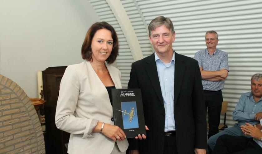 <p>Archieffoto van Anita Pijpelink, hier in 2019 bij de presentatie van het boek Slag om de Schelde.</p>