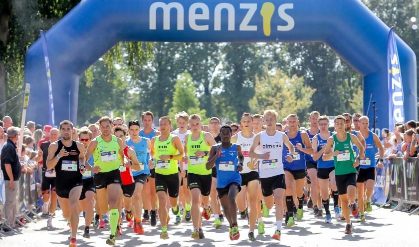 Nieuw tijdens de Menzis Singelloop in Enschede: De titel 'snelste vereniging van Twente'. Foto: Stan Wissink