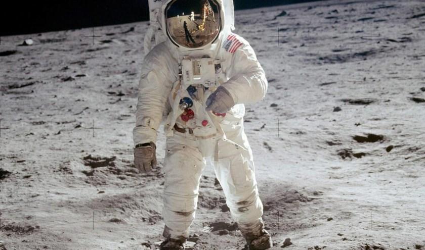 21 juli 1969 zette Neil Armstrong als eerste mens, voet op de maan.