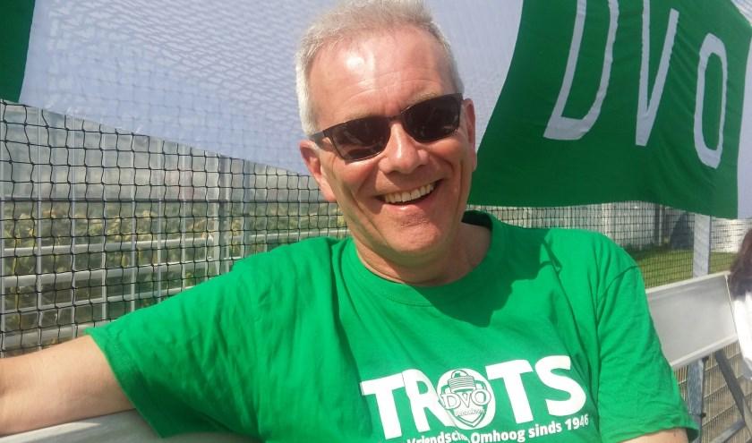 Marten van den Brink doet vrijwilligerswerk voor korfbalclub DVO.