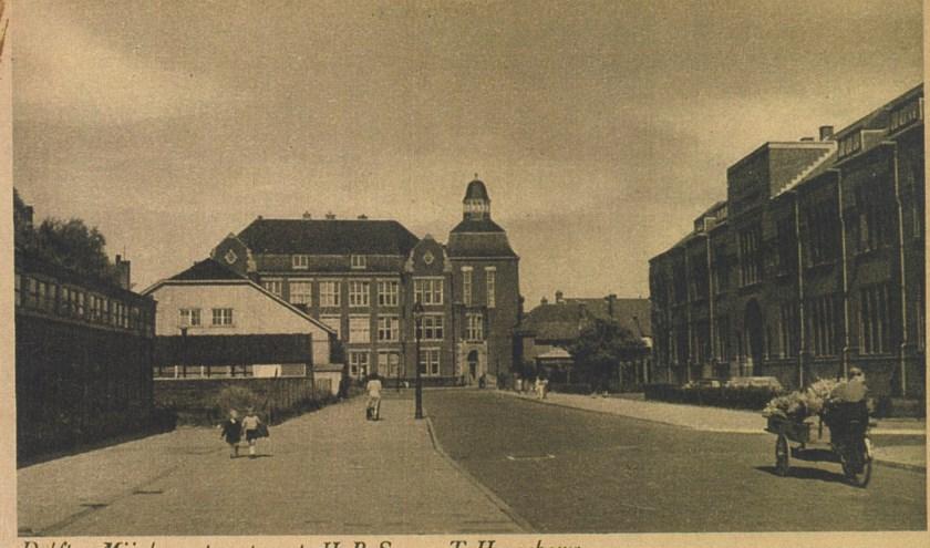 H.B.S. en T.H.-gebouw aan de Mijnbouwstraat in Delft.