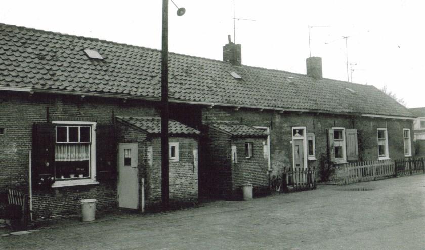 In de Grote Hoef, een zijstraatje van de Dorpsstraat, woonden vroeger veel vlasarbeiders.