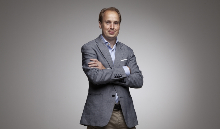 Geert-Jan van Hal is als chronisch patiënt geboren met beiderzijds dysplastische nieren. Vanuit zijn perspectief als patiënt, en ervaringsdeskundige hij ontwikkelingen op het gebied van mensgerichte zorg en digitale gezondheidszorg.