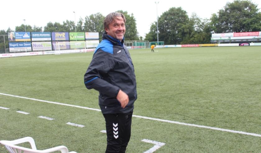Jan Veldhuizen stuurt de selectie van VVA Achterberg zeker niet naar de sportschool om figt te blijven. (Foto: Henk Jansen)