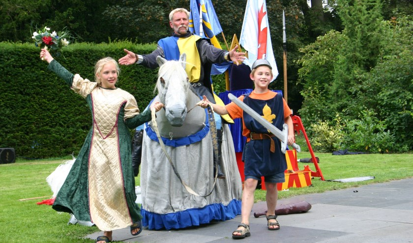 Theatergroep Hilaria brengt een waar ridderspektakel.