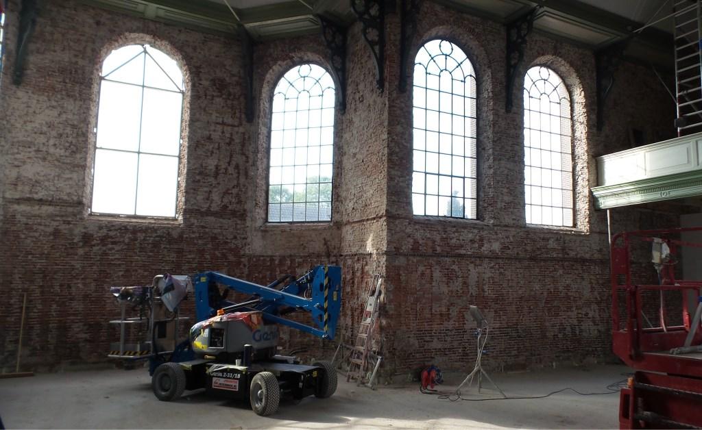 Er wordt groot materieel tijdens de restauratie gebruikt  © DPG Media