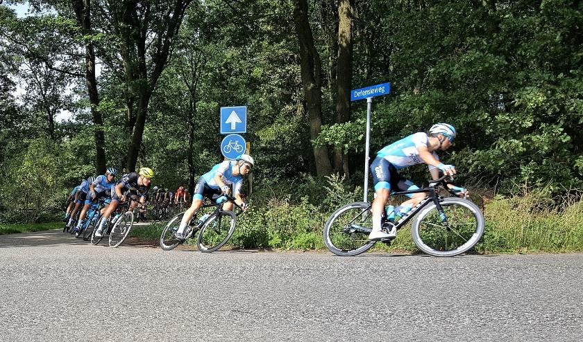De wielerklassieker  door de Rhenense bossen in 2019. (Archieffoto: Max Timons)