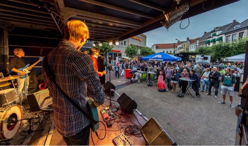 Tijdens het Stratenfestival op vrijdag 16 augustus is er op diverse podia in de binnenstad livemuziek. (foto: archief Frans Paalman)