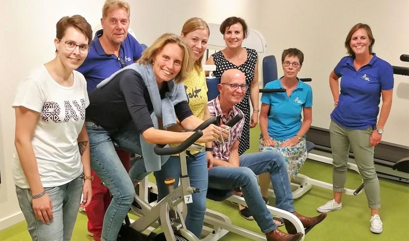 De training is onder begeleiding van een fysiotherapeut die gespecialiseerd is in het begeleiden van oncologische cliënten.
