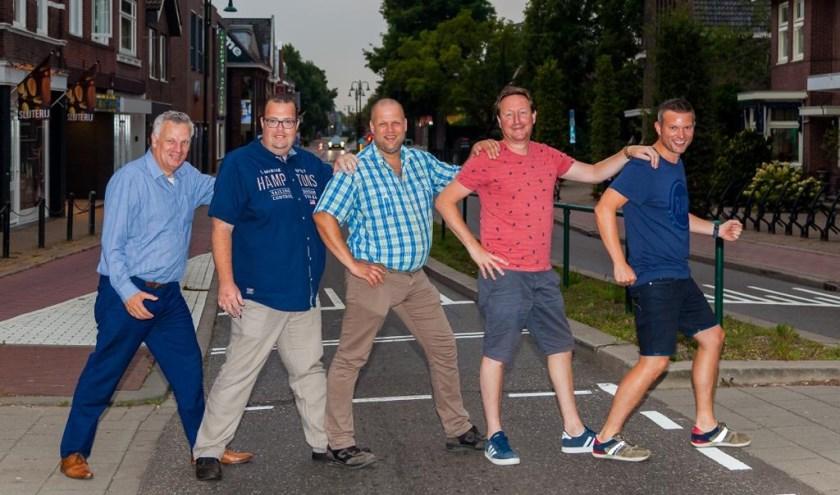 Het vernieuwde bestuur.van links naar rechts : Gert Jan Hooftman – Richard van Loon – Arjan Windhorst – Mike Verweij – Thomas Koetsier ( Dennis Kempes ontbreekt)