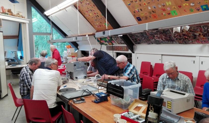 Het Repair Café Waalre gaat voorlopig nog niet van start. Hiermee wordt de landelijke regel gevolgd.