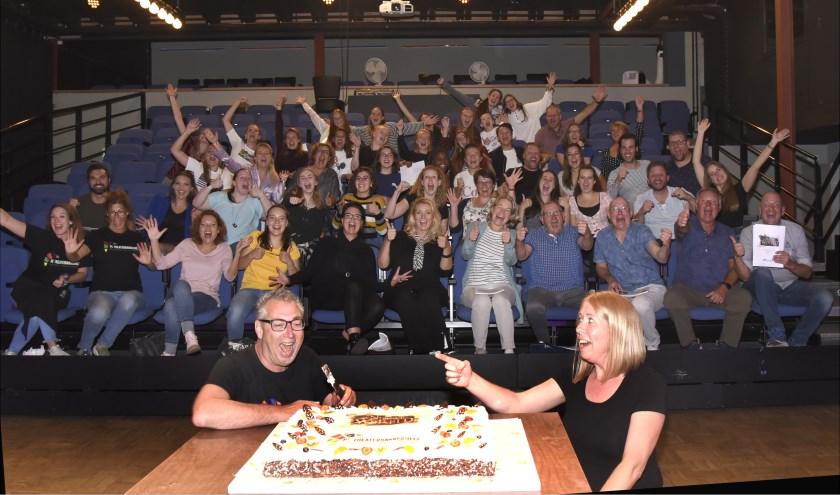 De kickoff van De Nieuwe Wereld werd gevierd met een enorme taart. Foto: Marianka Peters