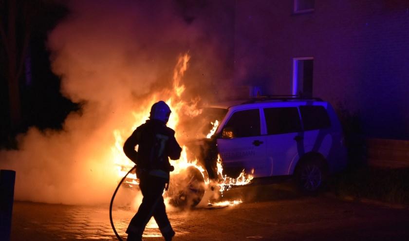 Autobrand aan de Tjalkwerf. Archieffoto: AS media