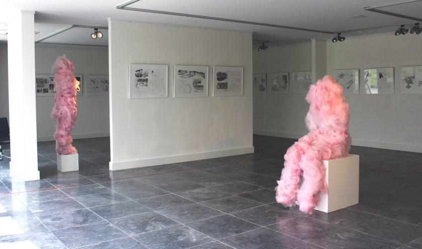 Tijdens de opening verzorgt Martijntje Cornelia een Candy Floss Performance. Foto: Bergarde Galleries)