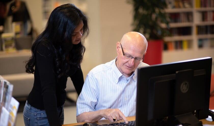 De bibliotheek is een ontwikkelplek van en voor iedereen. Iedereen kan er terecht voor kennis, informatie en ondersteuning.