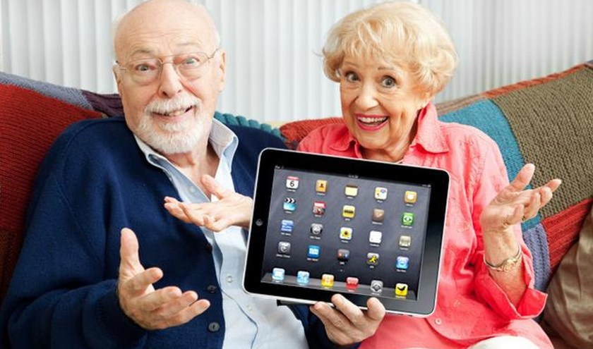 Seniorweb is iedereen die de eerste stappen op het gebied van computer/internet of telefoon wil gaan zetten van dienst op een voor iedereen toegankelijke manier. FOTO: SeniorWeb