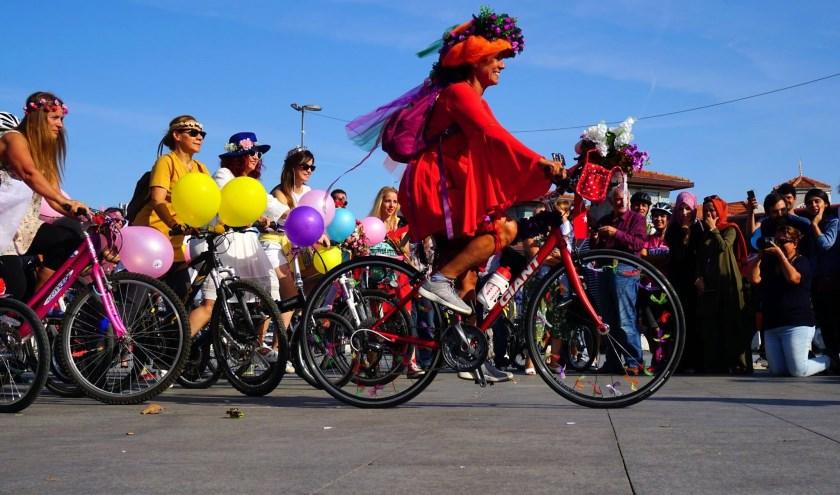 De kleurrijke fietstocht die ook werd gehouden in Istanbul. (Foto: Afak Tuzlu Hacaloglu)