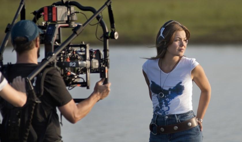Hoofdrolspeelster Abbey Hoes (25) is in september vaak te vinden op de filmset in Boskoop.