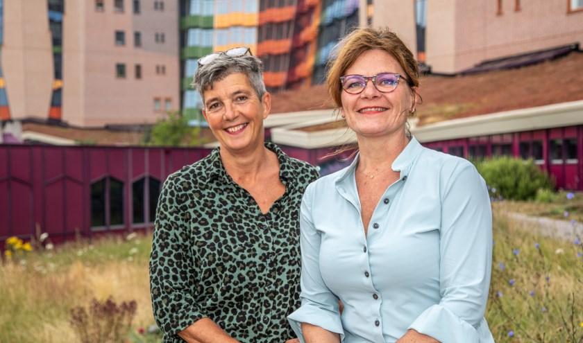 Ondersteuningsconsulenten Paula Huisman (links) en Angela Diepman-Kloosterman.
