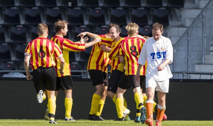 Een jongensdroom komt uit voor de mannen van SC Wesepe: scoren en winnen in De Adelaarshorst!
