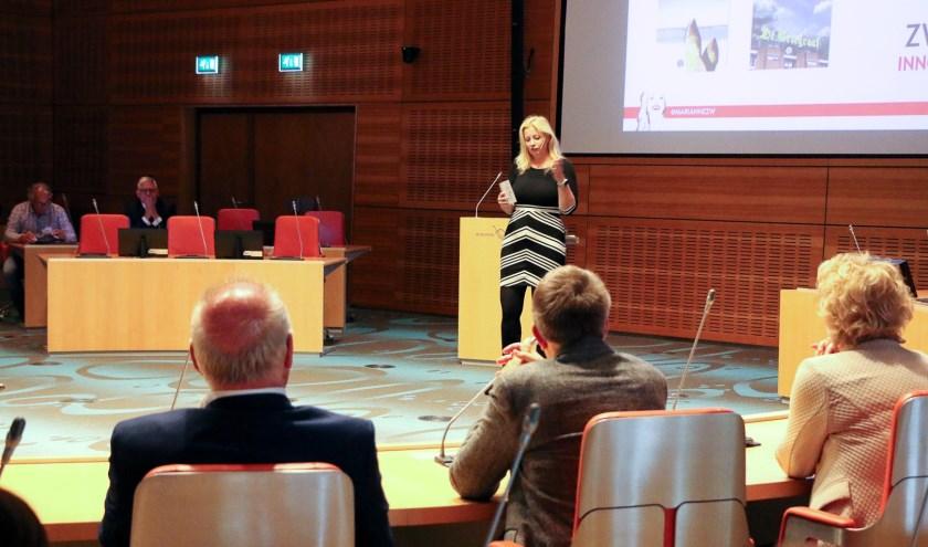 Columniste en innovatiestrateeg Marianne Zwagerman hield een betoog over onder andere de afschaffing van de term 'lager geschoold'.