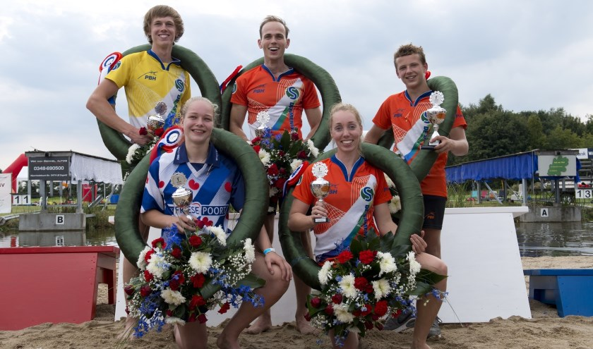 De onbetwiste winnaars van het NK in Zegveld: v.l.n.r. Reinier Overbeek, Femke Rispens, Rian Baas, Wendy Helmes, Roy Velis. (Foto: Erik van Kordelaar)