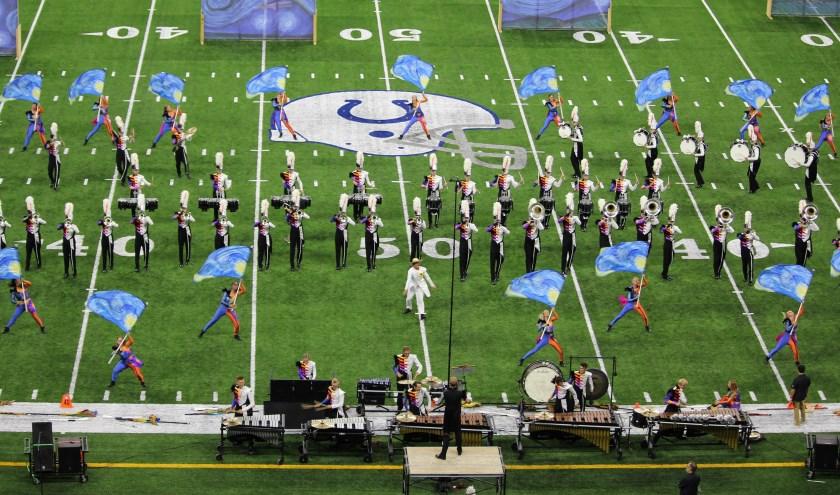 Drum and bugle corpsonderscheiden zich door een hoog entertainmentgehalte. Je komt oren en ogen tekort tijdens hun optredens.