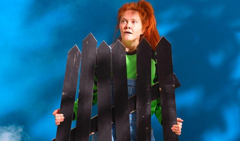Van Gent speelt zelf de hoofdrol als Lena.