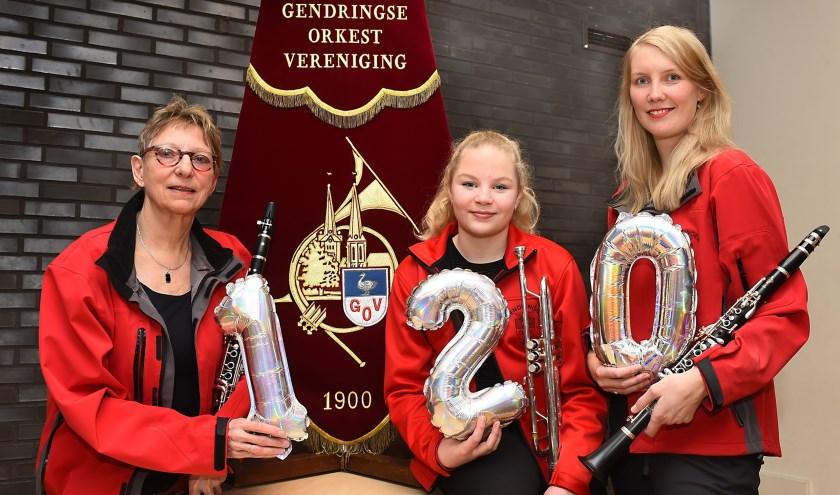 Vlnr Pauline Brommelstroet, Iris Wanders en Marije Vonderhorst. Toon Salemink ontbreekt. (foto: Roel Kleinpenning)