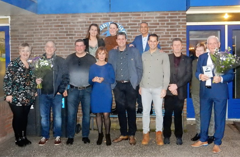 Alle twaalf jubilarissen die aanwezig waren bij de nieuwjaarsreceptie van de club.