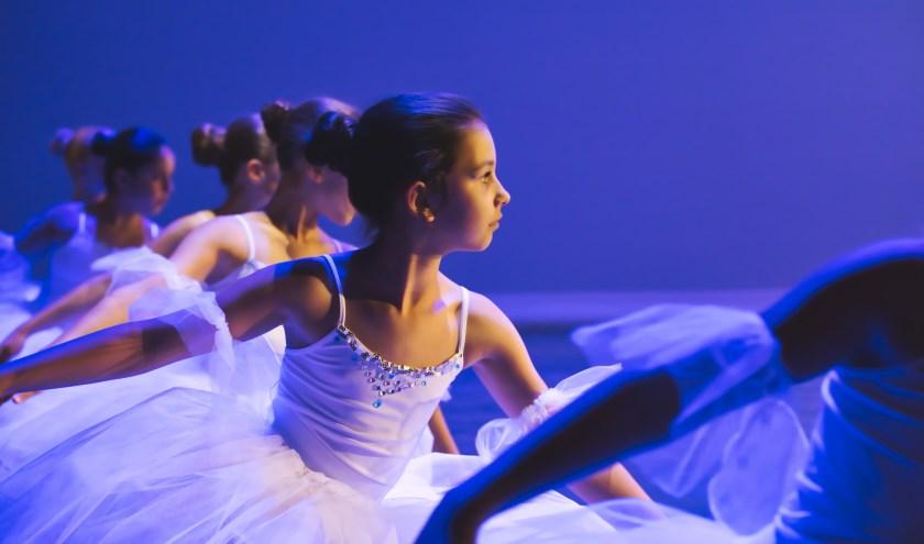 De talentenklas dans onder leiding van Nada Belada. Zij zullen een demonstratie geven in de balletzaal tussen 14:00 en 15:00 uur.