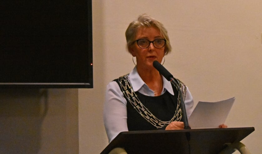 <p>Burgemeester Doret Tigchelaar</p>