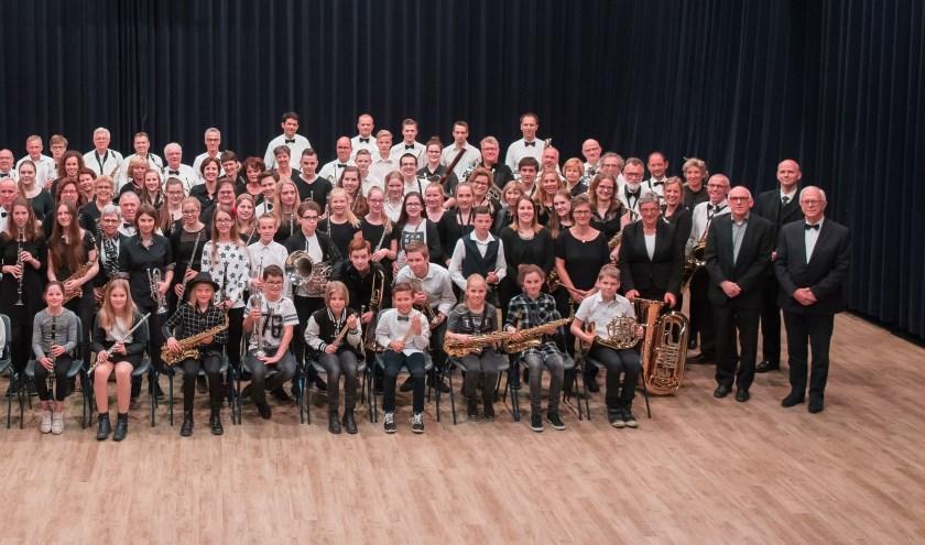 Alle leden van Harmonie St. Caecilia zijn op 12 januari te zien en te horen.