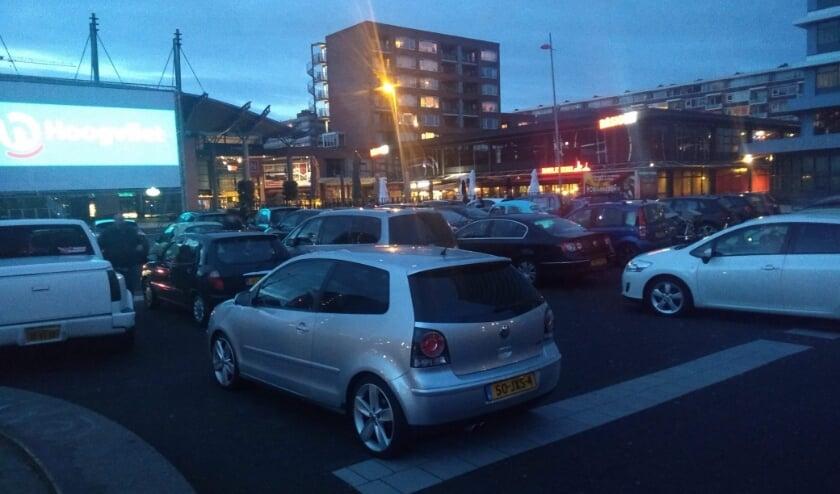 Voorbeeld van een drive-in bioscoop, hier in een Rijswijks winkelcentrum.
