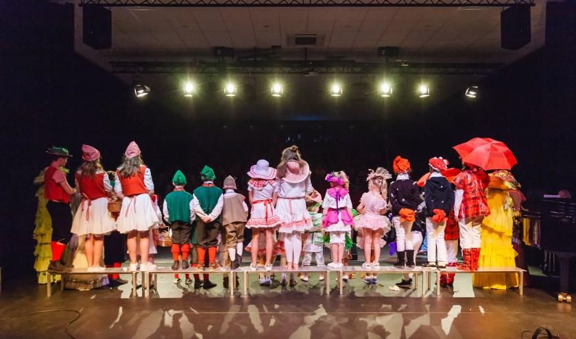De Veluwsche Sanghertjes zingen al meer dan 47 jaar. Het kinderkoor oefent elke week. (foto: Henriëtte Houtsma)