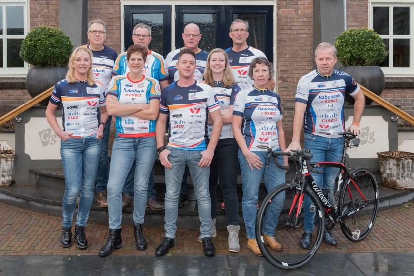 Team Duiven 2020 start het inzamelen van geld voor de actie Alpe d'HuZes van dit jaar op zaterdag 1 februari met een Liemers Fietsen-spinningmarathon bij sportcentrum AeroFitt in Duiven.