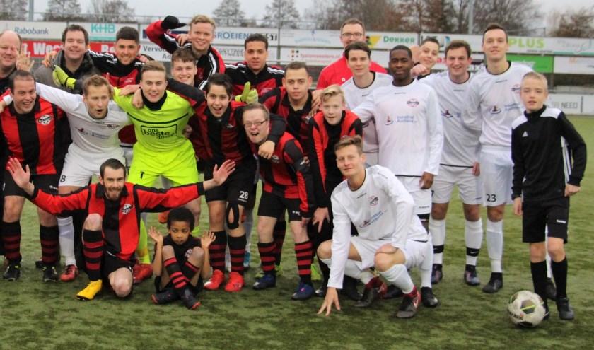 Beide teams hadden er zin in, om de jaarlijkse wedstrijd tot een succes te maken.