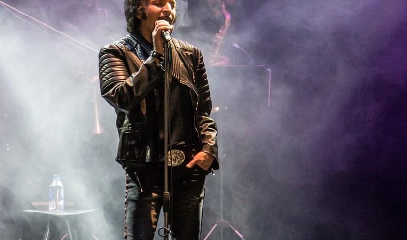 Gino Vannelli voor twee concerten naar de Boerderij