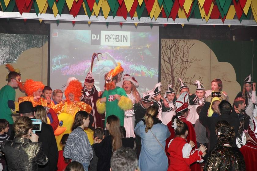 De jeugdprinswissel is bij de Loose carnavalsvereniging De Nathalzen altijd een groot feest. Deze foto is van vorig jaar.