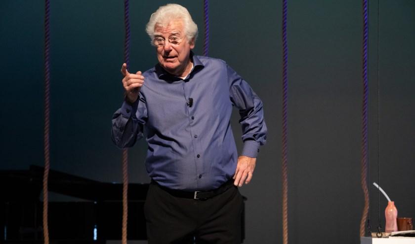 Gerard Cox viert zijn 80e verjaardag met een solovoorstelling. (Foto: Andy Doornhein)