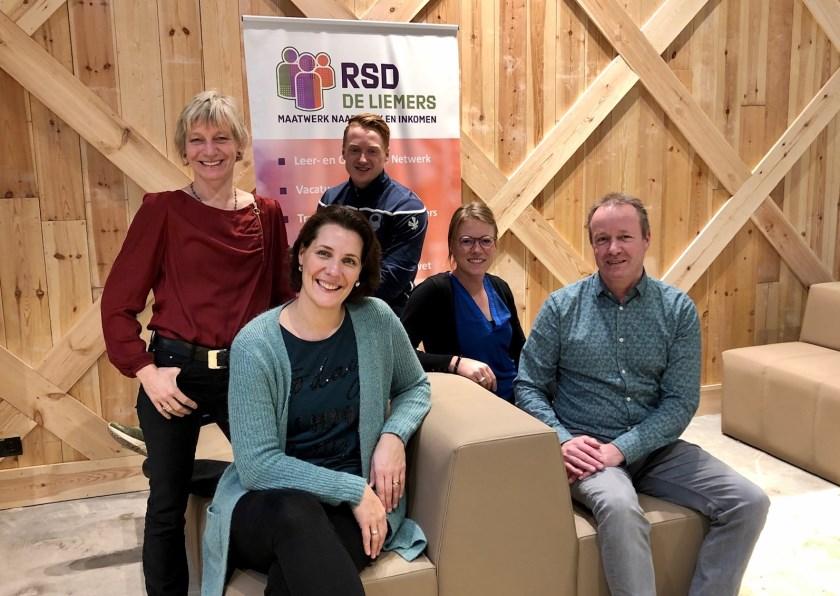 V.l.n.r.: Marieke Bach, Anky van Alst, Thijs Haan, Amanda Bruns en Ronald Verhaaf.
