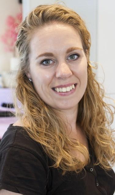 Kim Brummel-Martens van Salon Schoonheid in Epe doet mee aan landelijke actie stichting Look Good Feel Better.