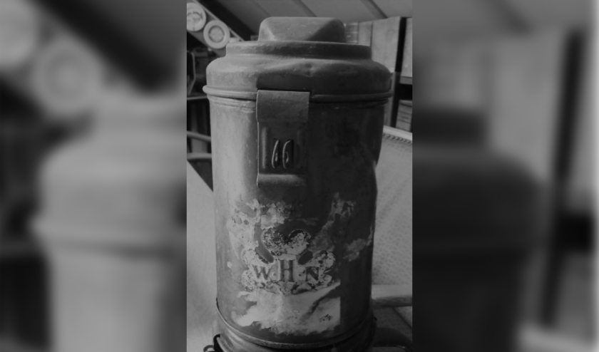 De collectebus is in ieder geval, gedeeltelijk verroest, nog wel bewaard gebleven. Tekst en foto: Heemkundekring Den Beerschen Aard