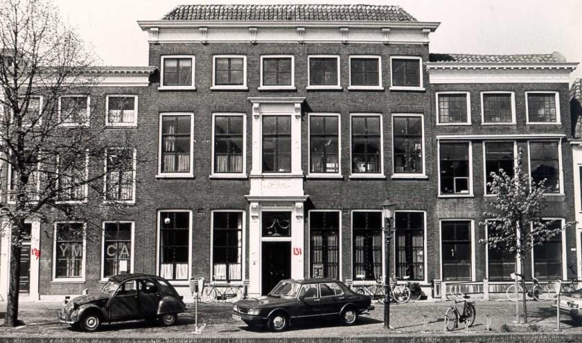 De Lange Haven werd in 1920 aan Schiedam geschonken .