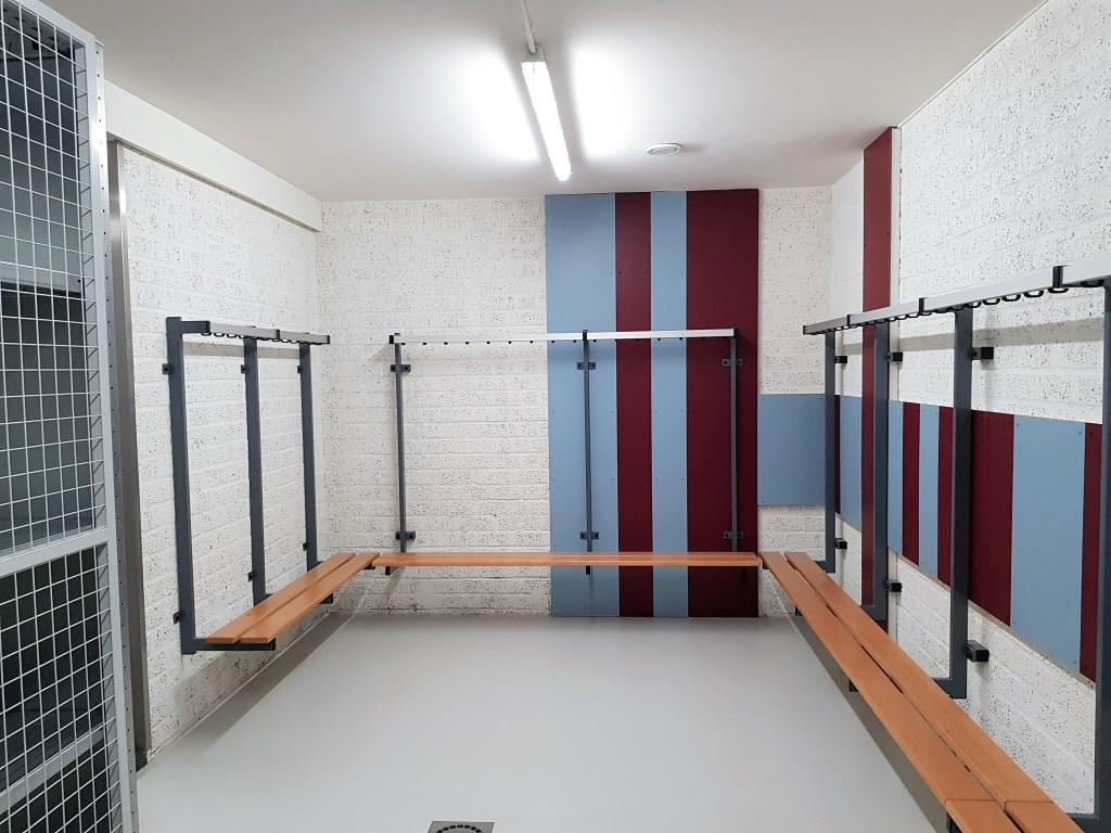 De nieuwe kleedkamers hebben, een prachtige 'OVC '85-look'. Foto: Dick Martens © DPG Media
