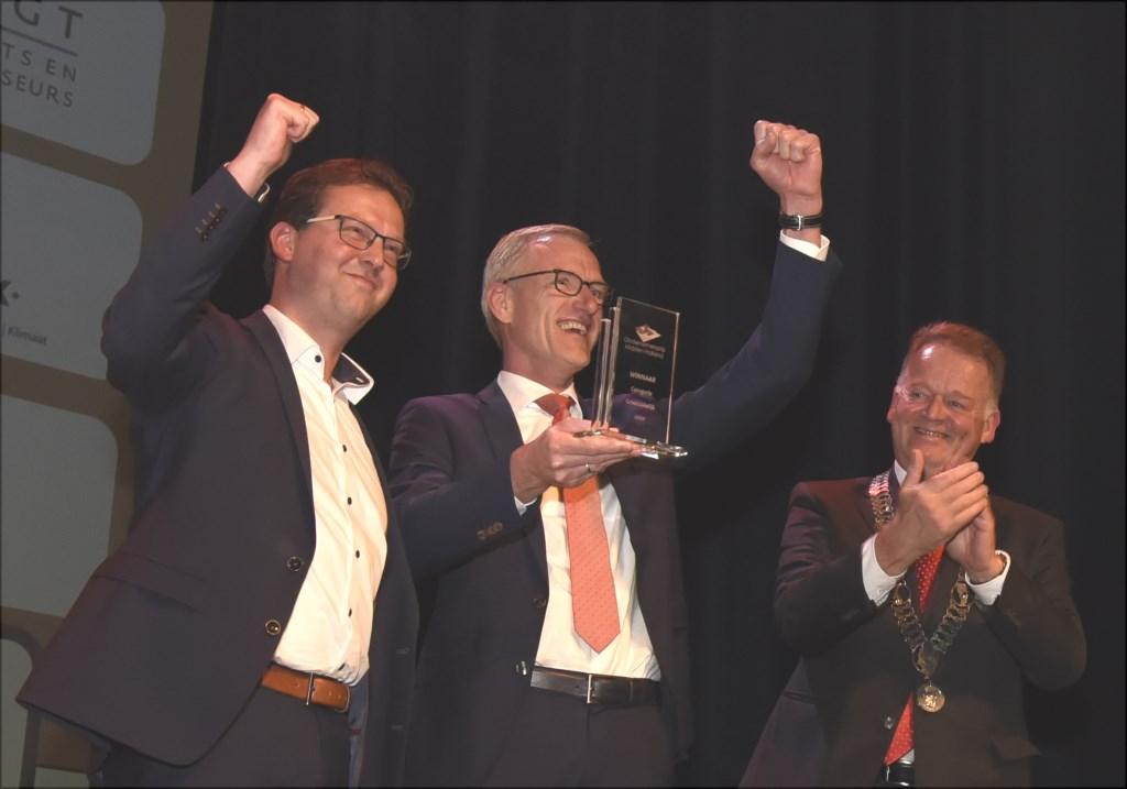 Bouwbedrijf De Vries en Verburg winnen ondernemersprijs in de categorie Groot Zakelijk. Foto: Marianka Peters  © DPG Media