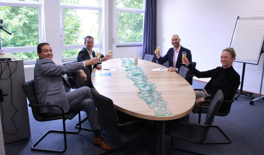 vlnr: Dragan Kalkan en Coen Toebosch (Avans+), Stan Vloet en Josje Verhoeven (ROC Rivor)